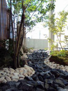 現代風モダン枯山水庭園